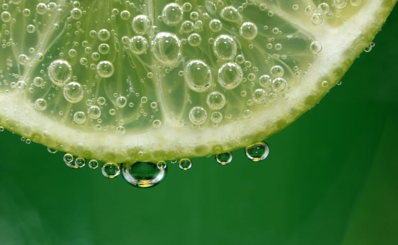 beneficio-da-agua-com-limao